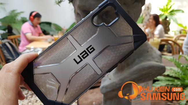 op lung chong soc uag plasma note 10 plus gia re 4
